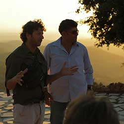 MEJDI offers tours with two guides for multiple perspectives.